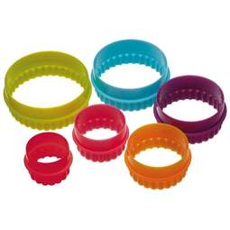 View the 6 piece plastic ROUND icing / cookie cutter set online at Cake Stuff