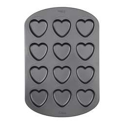 View the 12 cavity large Heart Whoopie Pie / Macaroon baking pan online at Cake Stuff
