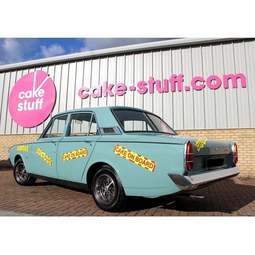 View the CAKE ON BOARD magnetic car warning sign online at Cake Stuff