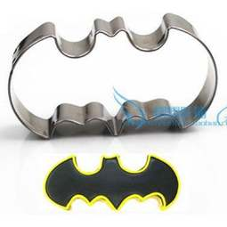 View the BAT / BATMAN metal icing cookie cutter online at Cake Stuff