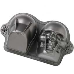 View the 3D SKULL non stick novelty cake tin / pan online at Cake Stuff