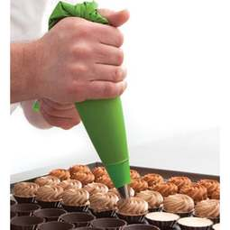 "View the pk 12 x 21"" / 53cm disposable green plastic icing piping bags online at Cake Stuff"