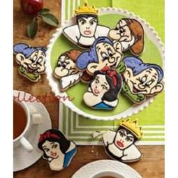 View the SNOW WHITE 4 piece icing / cookie plunger cutter set online at Cake Stuff