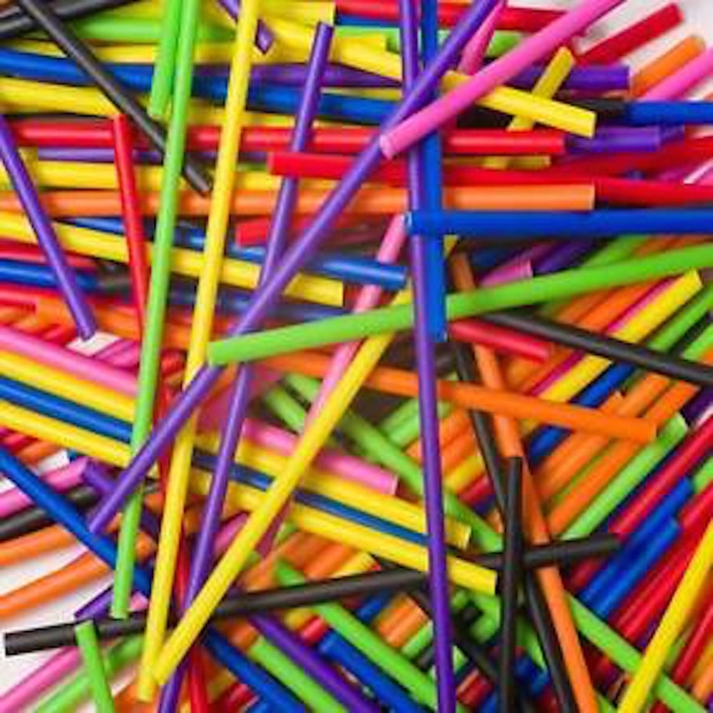 """View the SALE - 50 MIXED 89mm / 3½"""" plastic cake pop sticks online at Cake Stuff"""